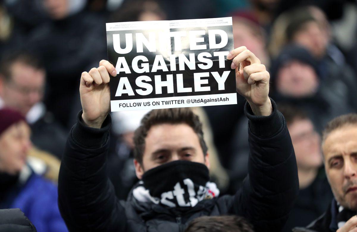 Newcastle United v Manchester City - Premier League - St James' Park