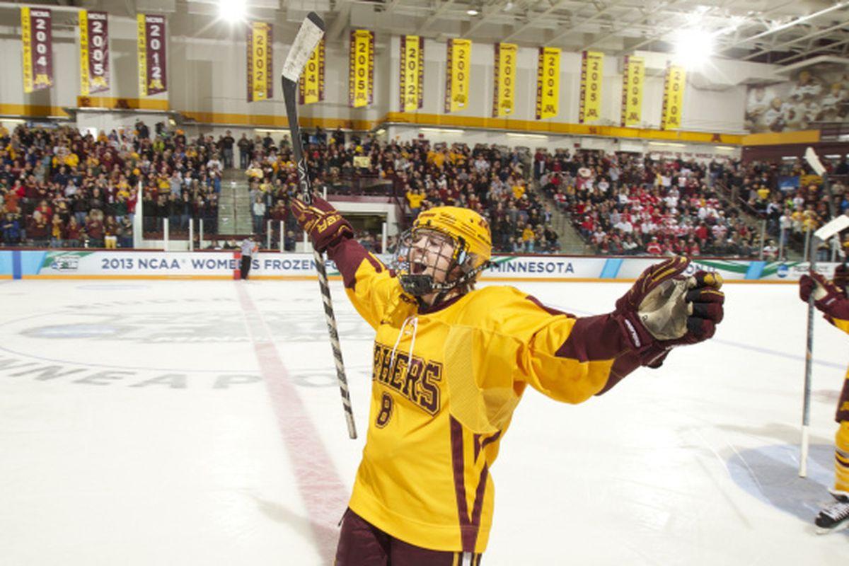 Amanda Kessel will rejoin the Gopher Women's Hockey Team this weekend!