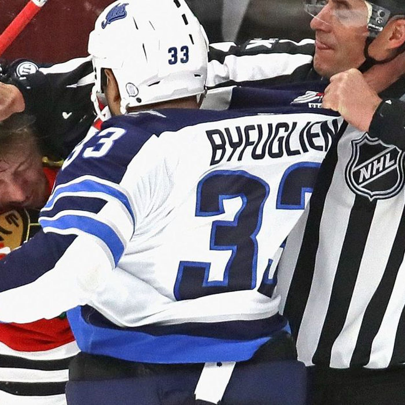 sports shoes 75afc 73d3c Blackhawks wince at fight between Dustin Byfuglien, Drake ...