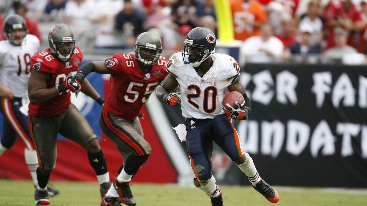 Chicago Bears Thomas Jones...