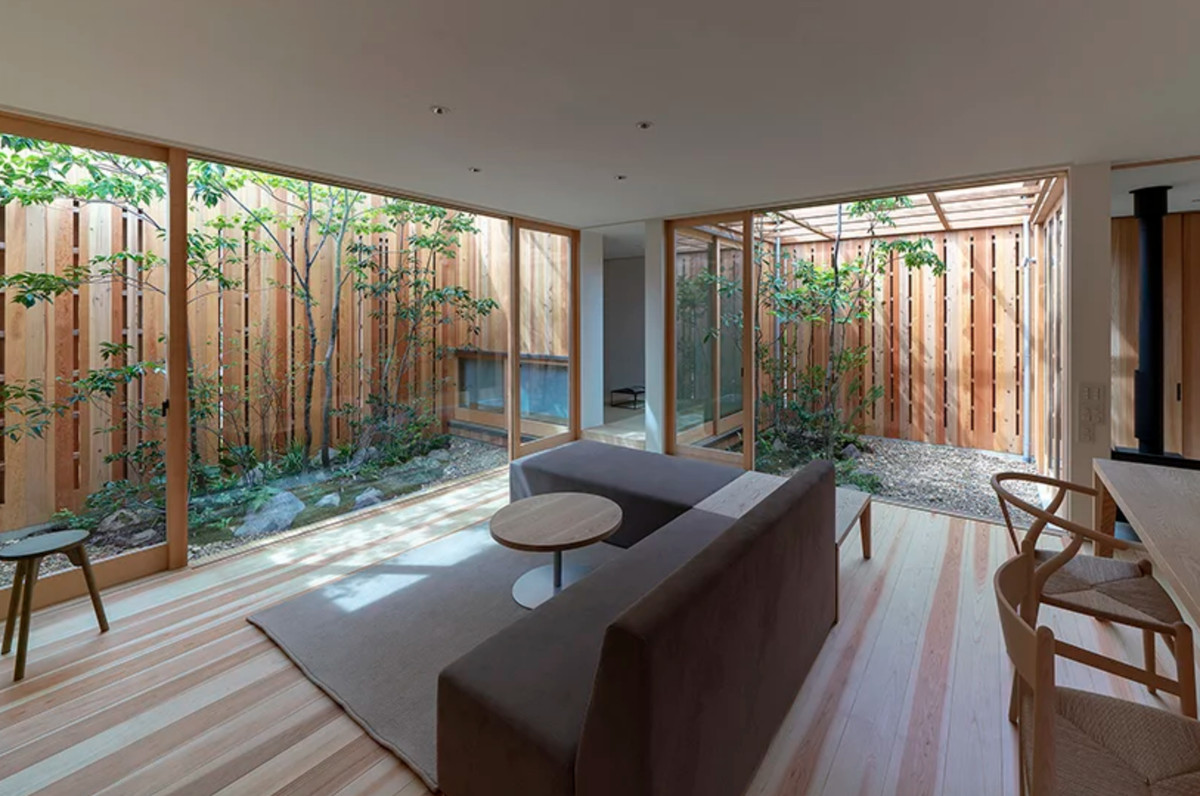 Modern Japanese House Tucks In Three Courtyards Curbed