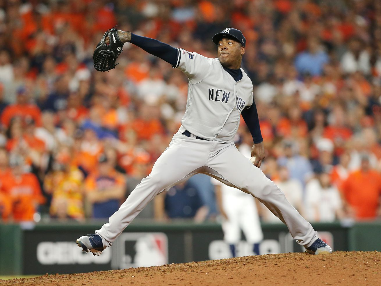 Yankees closer Aroldis Chapman has COVID-19