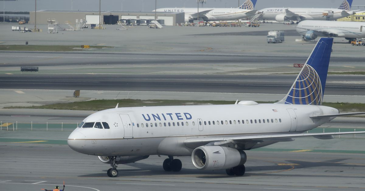 United Airlines raises checked-bag fees