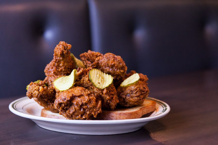 Fried chicken on toast with pickles