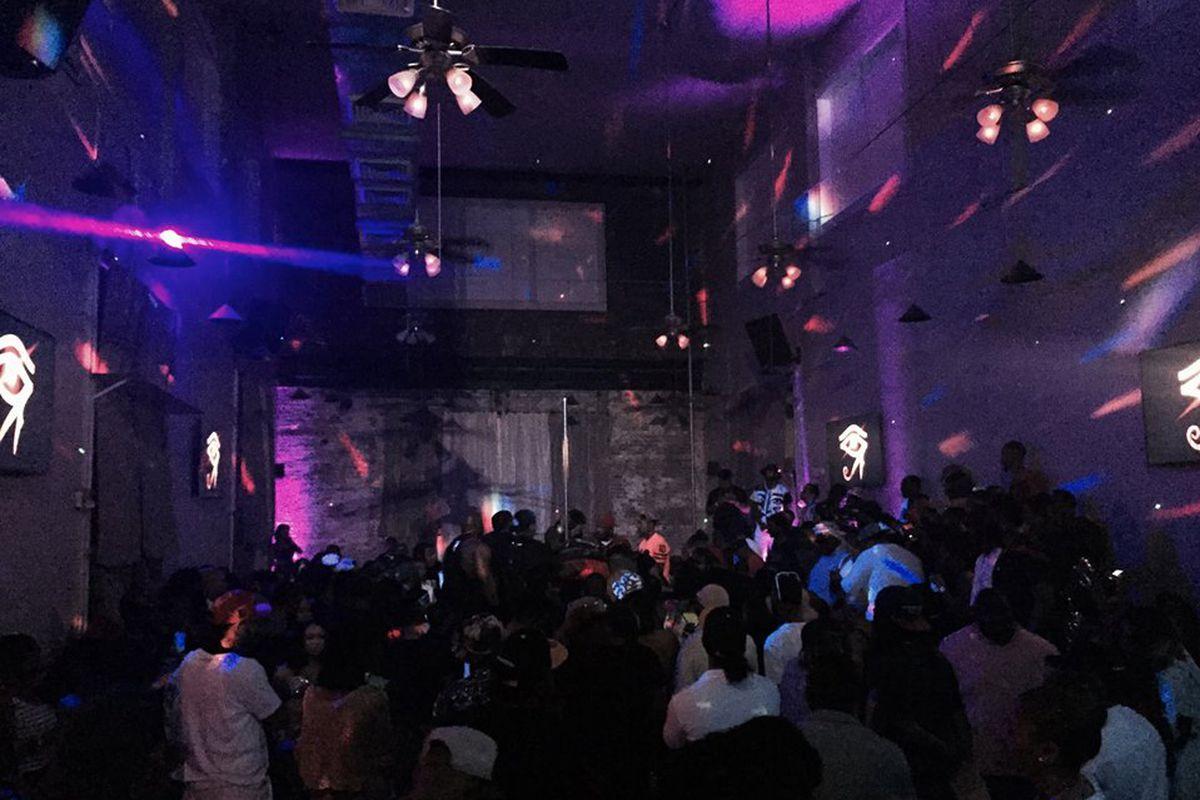 Inside Club Ra.