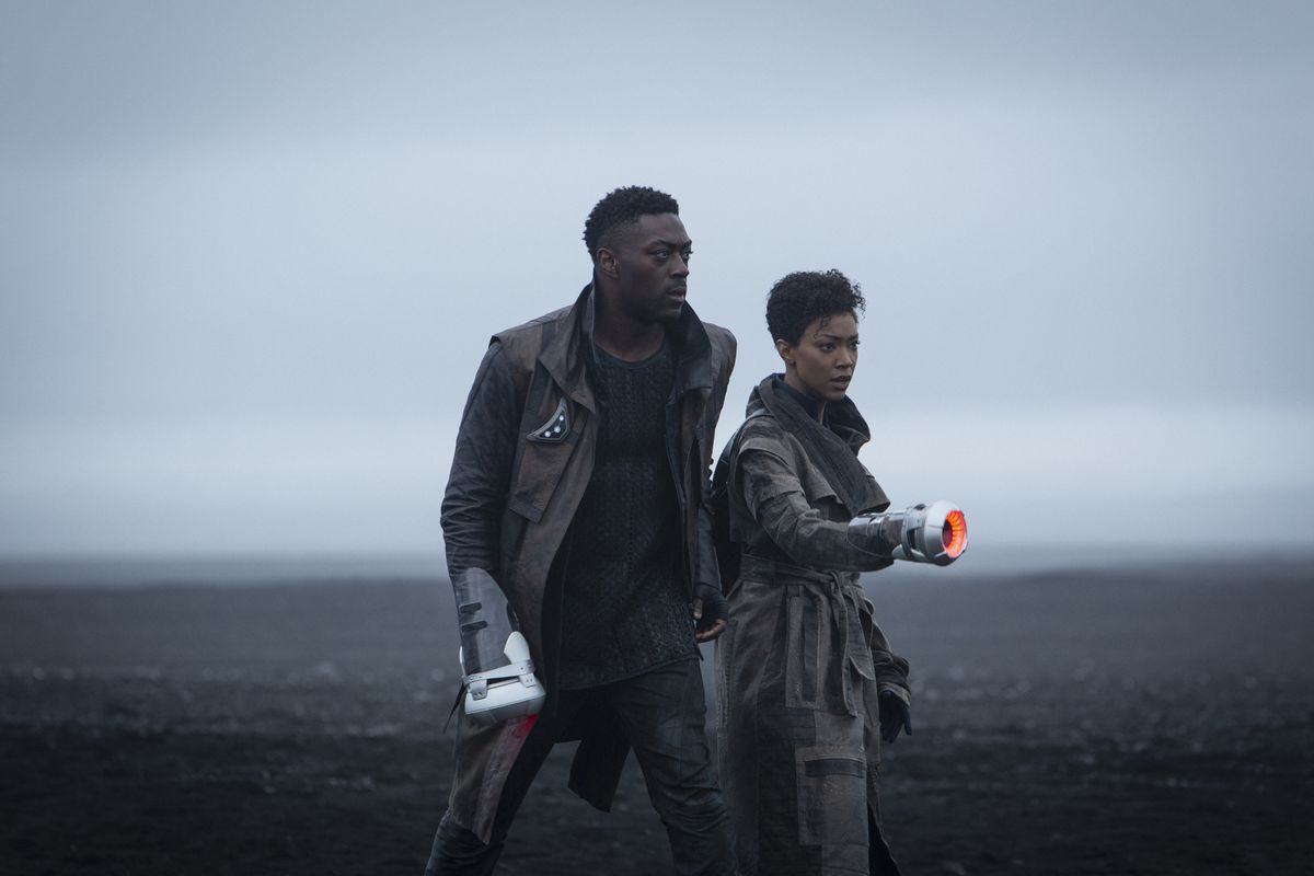 David_Ajala_and_Sonequa_Martin_Green_in_