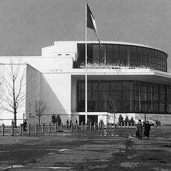 "The French Pavilion via <a href=""http://www.worldsfaircommunity.org/topic/9931-1939-worlds-fair-french-pavilion/"">World's Fair Community</a>."