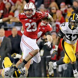 With runs of 18, 36, 5, 7, 7, 7, 7 and 42 yards in the 4th quarter, Jonathan Taylor put the finishing touches on the Wisconsin win.