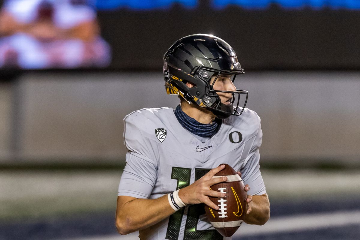 Oregon Ducks quarterback Tyler Shough drops back to pass during the college football game between the Oregon Ducks and California Golden Bears on December 5, 2020 at Memorial Stadium in Berkeley, CA.