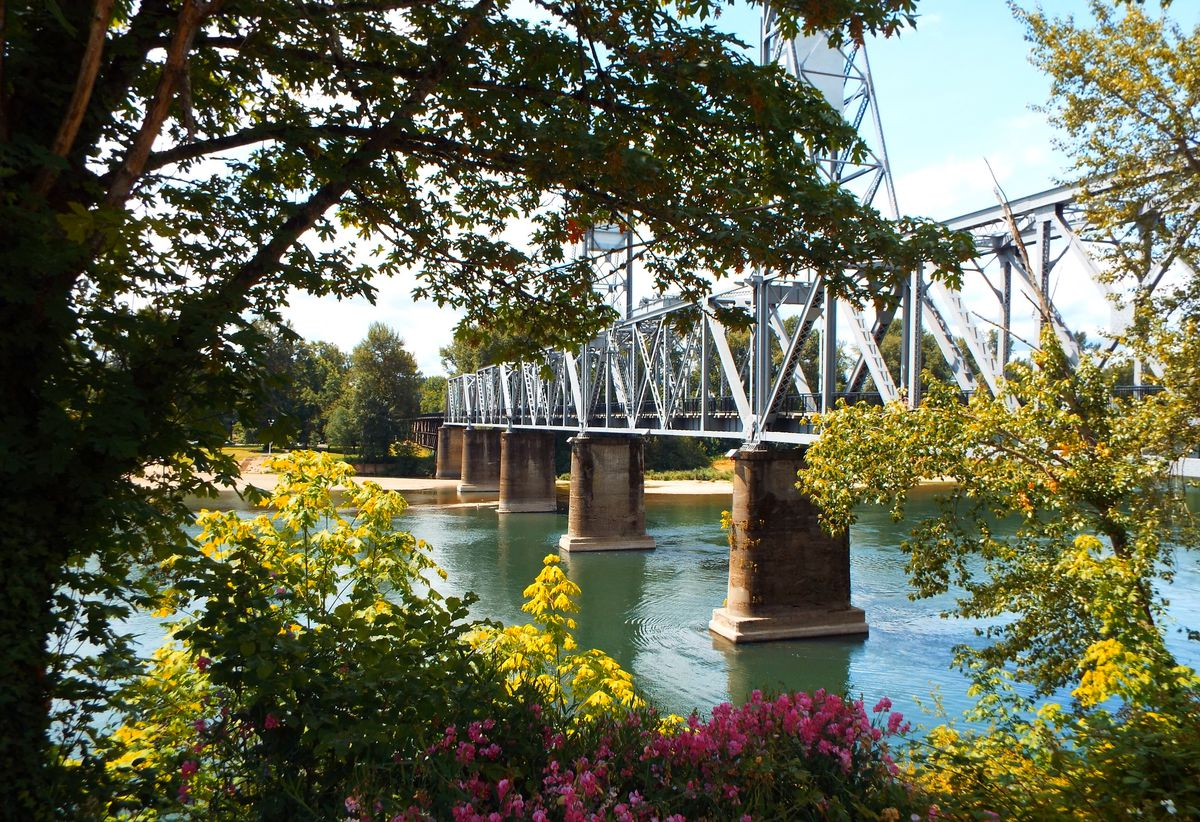 Oregon's often-overlooked capital makes for one of the best Labor Day destinations for its outdoor offerings and family activities. Don't miss the Enchanted Forest Theme Park for kids of all ages, or explore Riverfront Park along the Willamette River. Lab