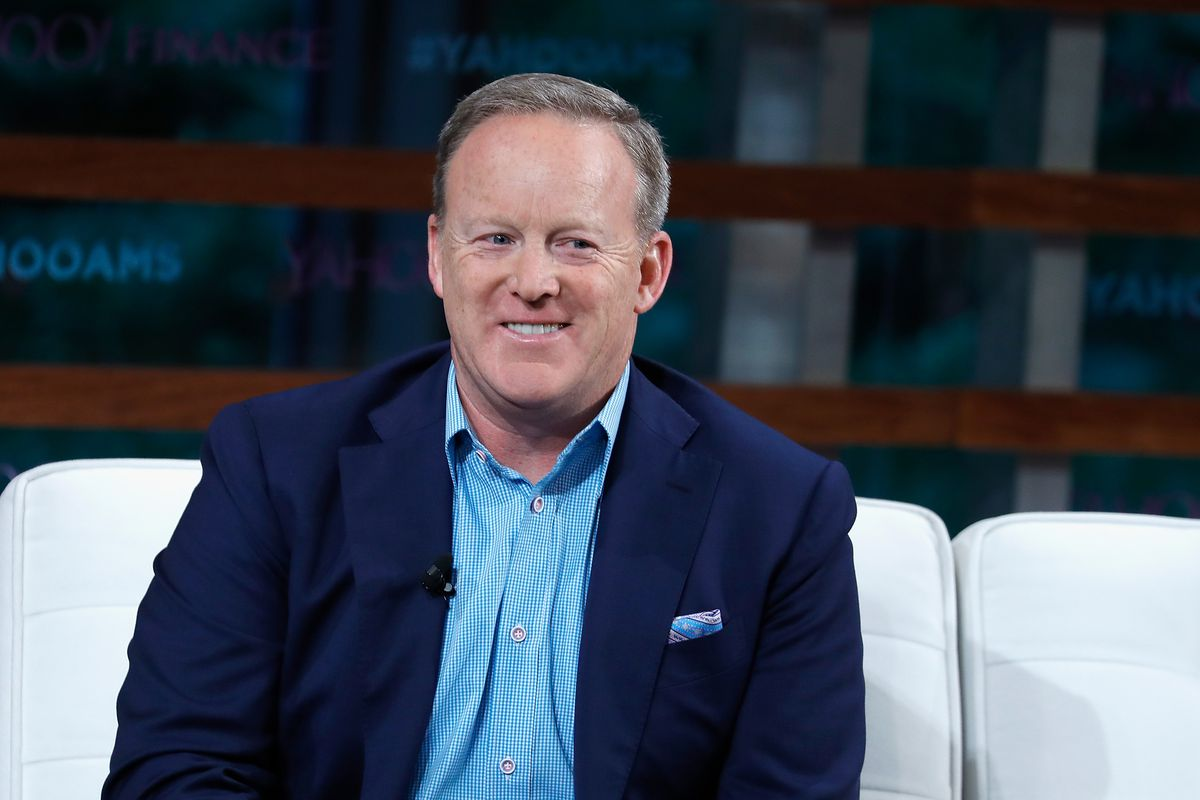 'Dancing with the Stars' cast: Sean Spicer, Christie Brinkley, Hannah Brown and others competing this season