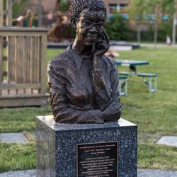 Gwendolyn Brooks' sculpture at the Gwendolyn Brooks Park.   Erin Brown/Sun-Times