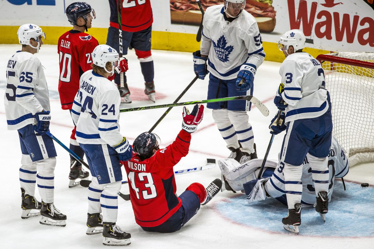 NHL: OCT 16 Maple Leafs at Capitals