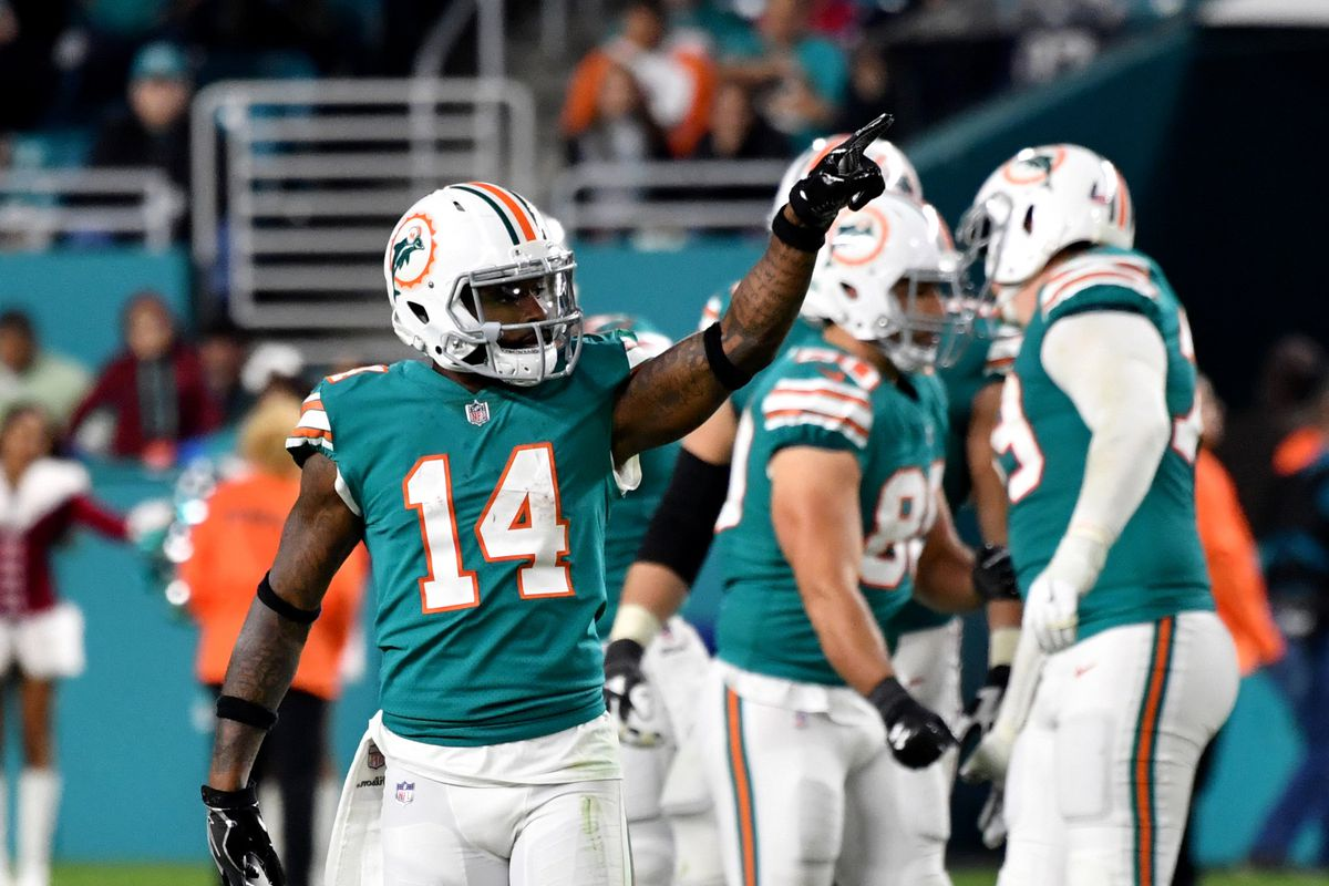 sports shoes 7e0a6 bfe8c Jarvis Landry contract negotiations getting ugly in public ...