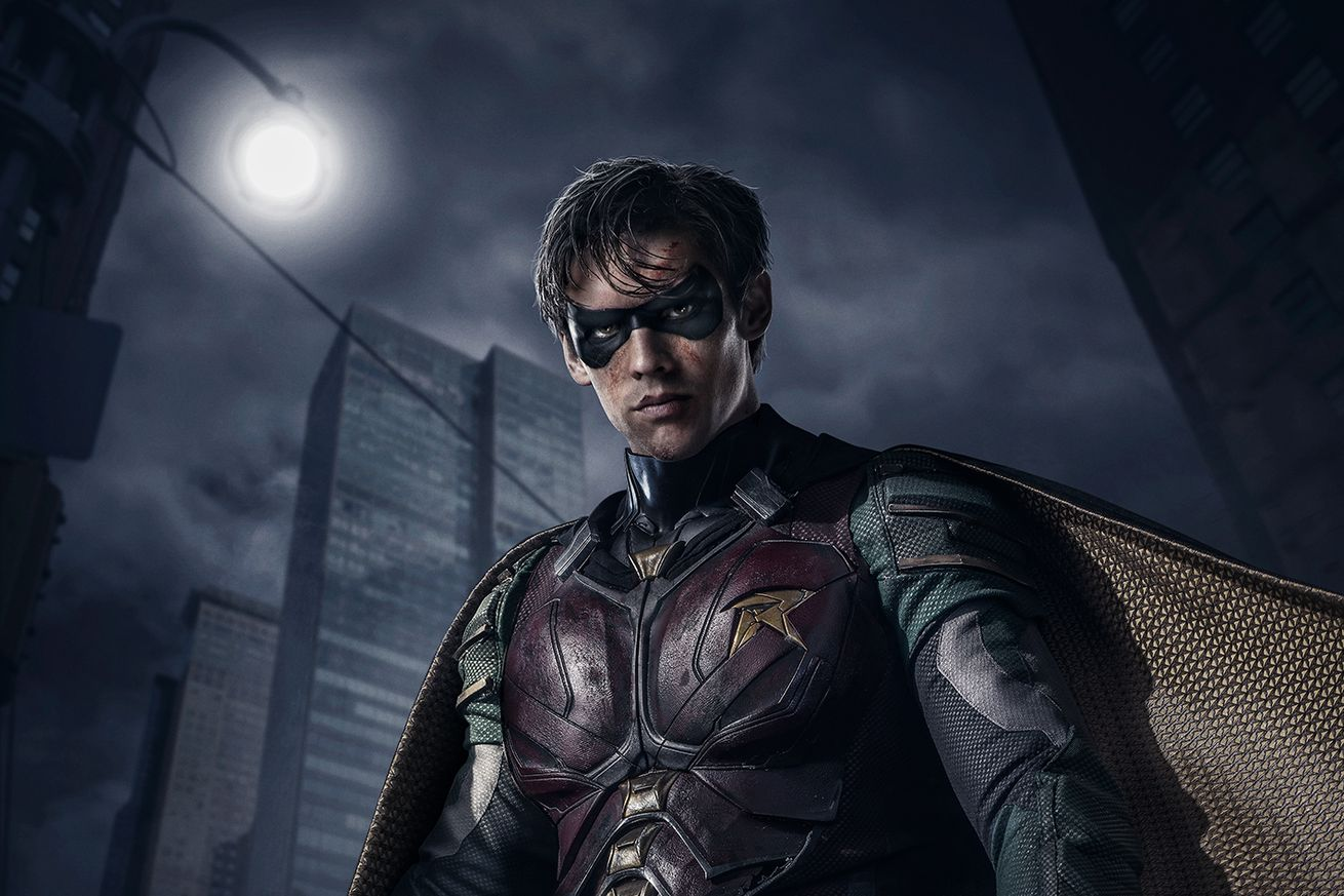 robin gets dark in the first trailer for dc s live action show titans