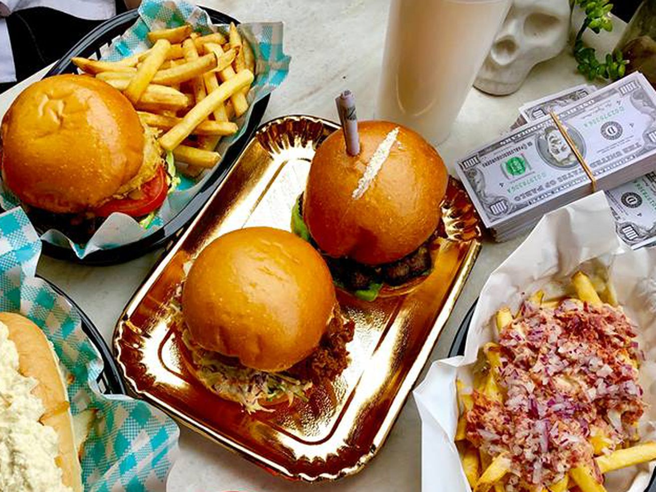 Pablo Escobar-Themed Restaurant Garnishes Burgers With Fake Cocaine