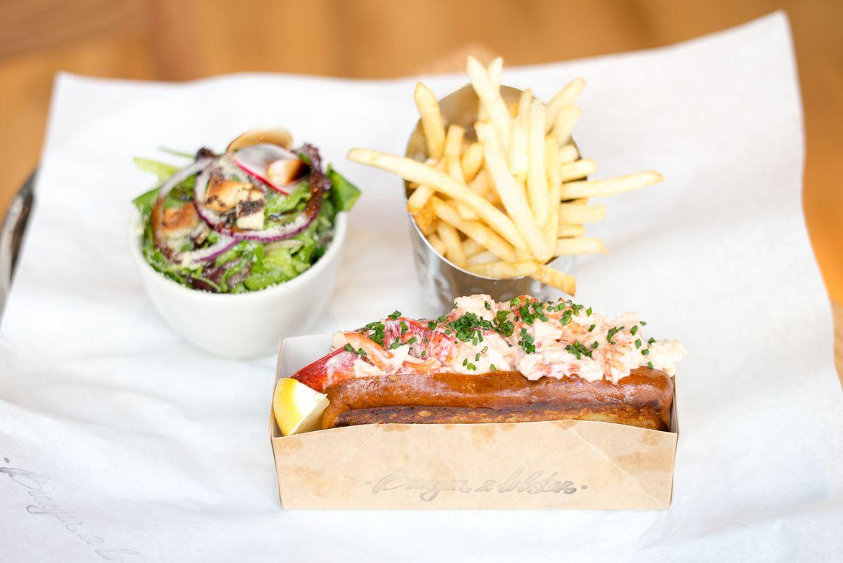 Burger & Lobster Brings Minimal Menu, Giant Lobster Condo to the Flatiron District