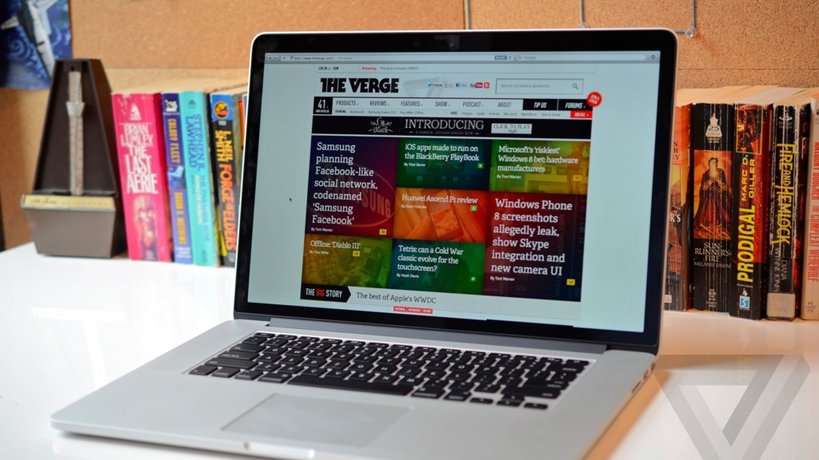macbook pro with retina display review 15 inch the verge. Black Bedroom Furniture Sets. Home Design Ideas