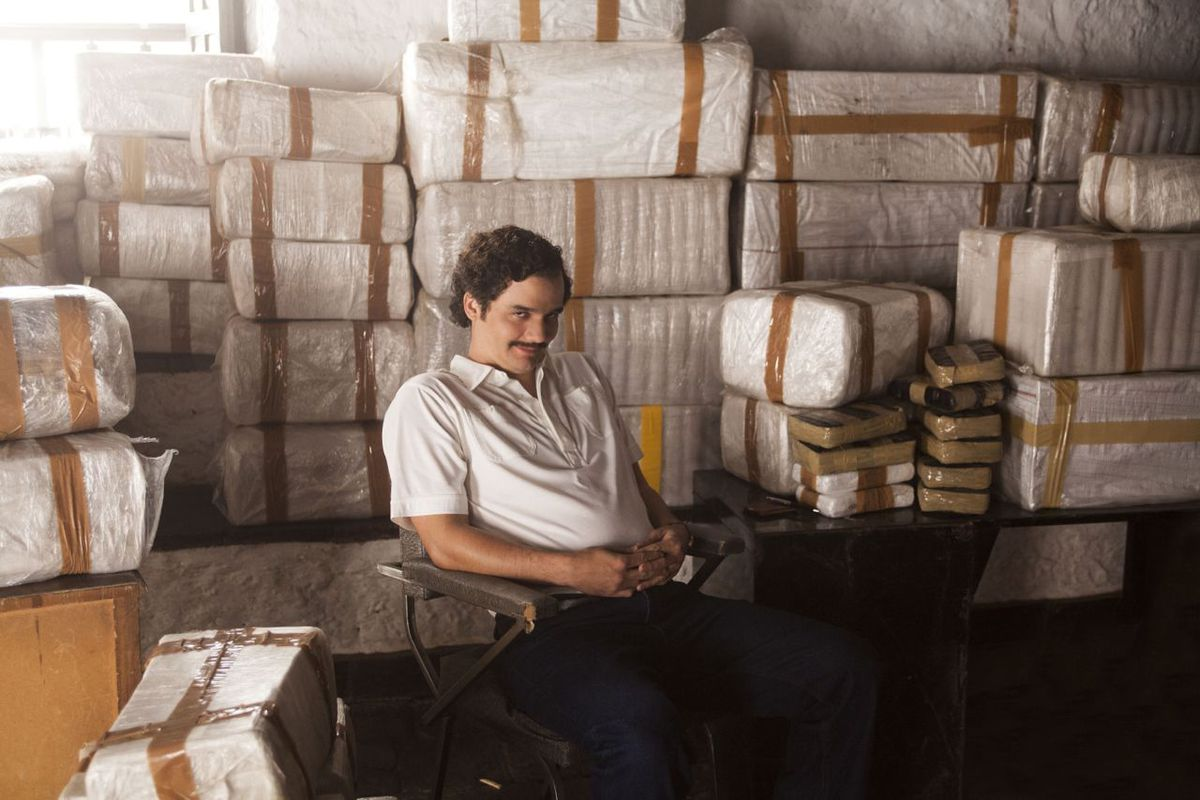 Netflix's Narcos is like a bland guy reading you the