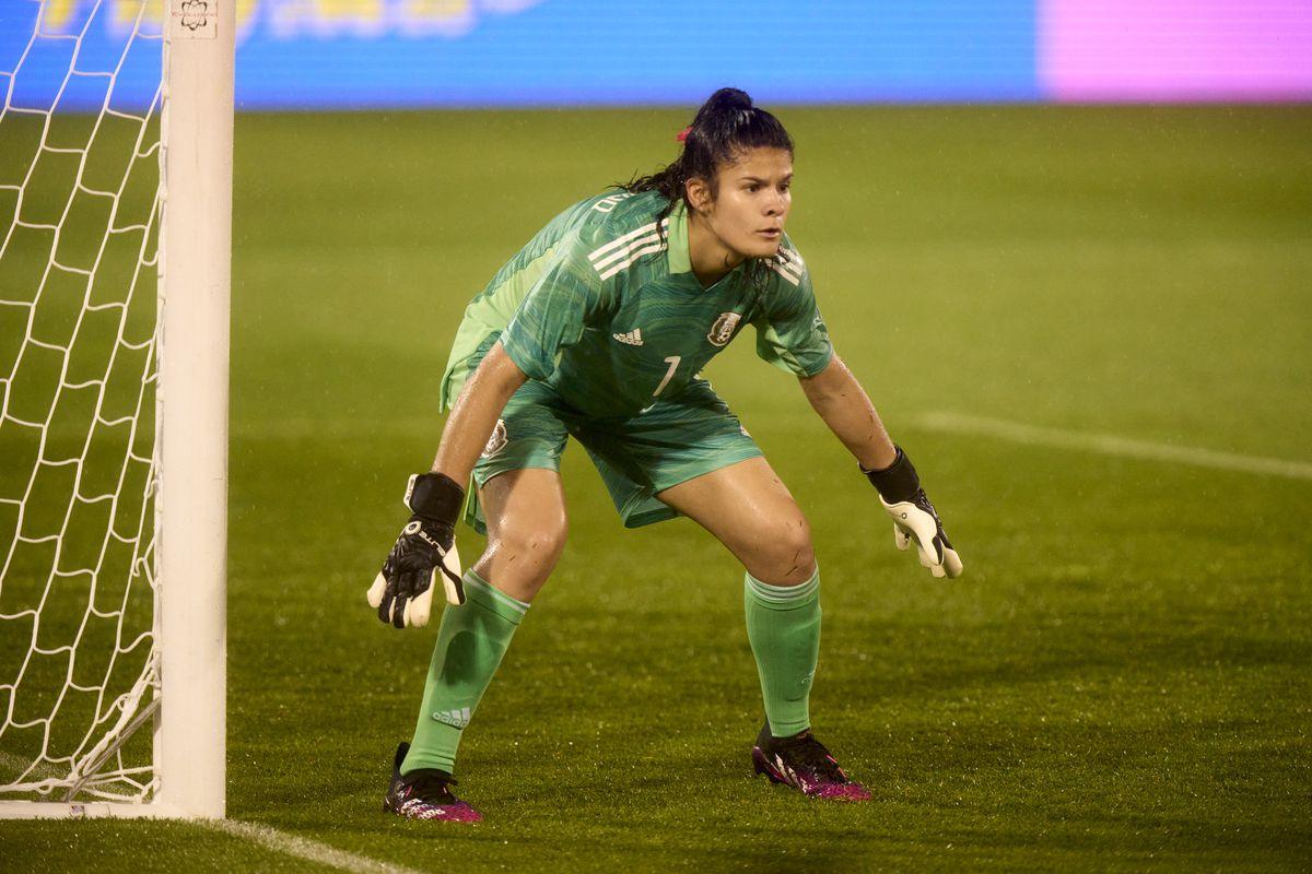 Emily Alvarado has been the default starting goalkeeper for México.