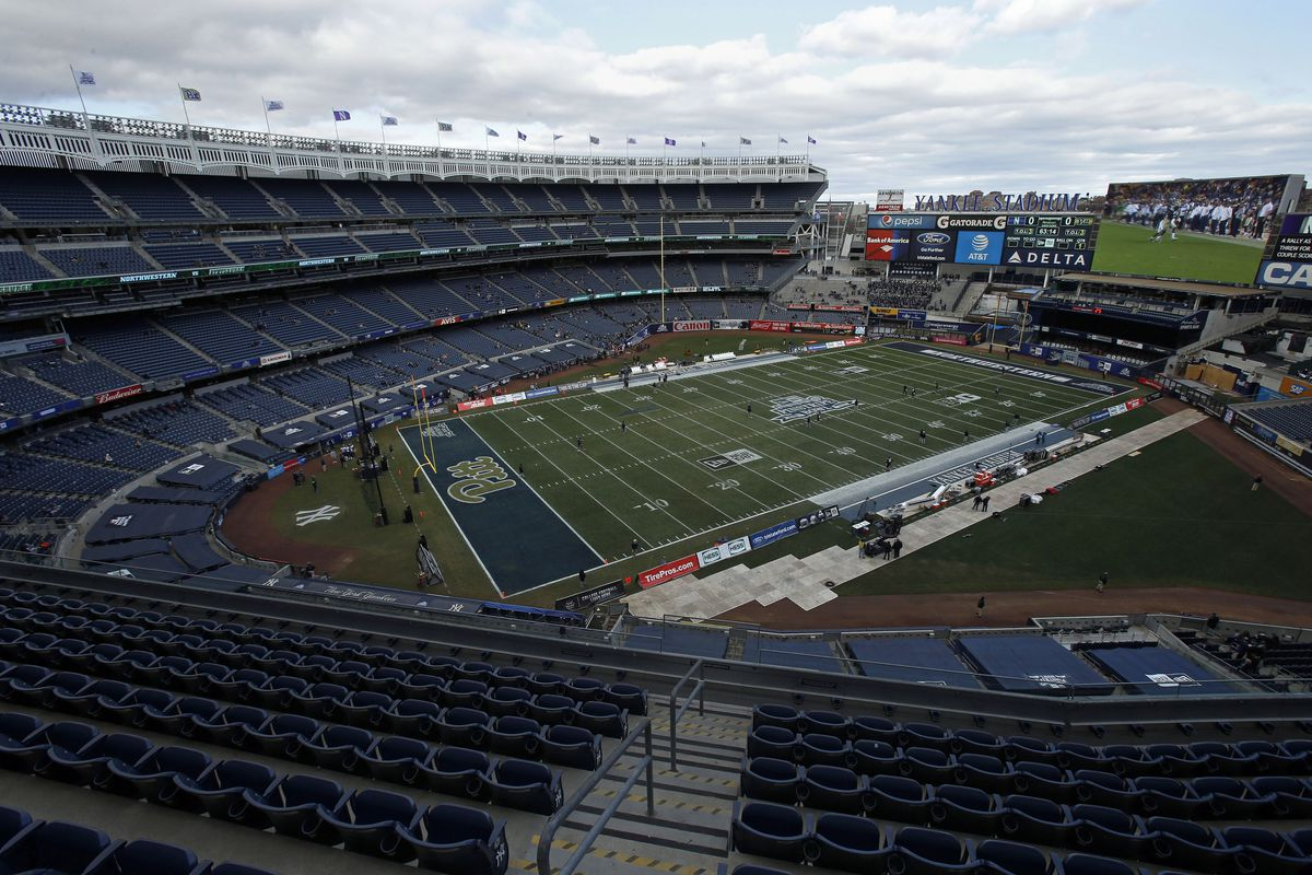 4ac6ab89 How college football games fit into baseball parks like Yankee Stadium. New  ...