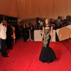 Jay Z and Beyonce (in McQueen-esque Pucci) on the red carpet