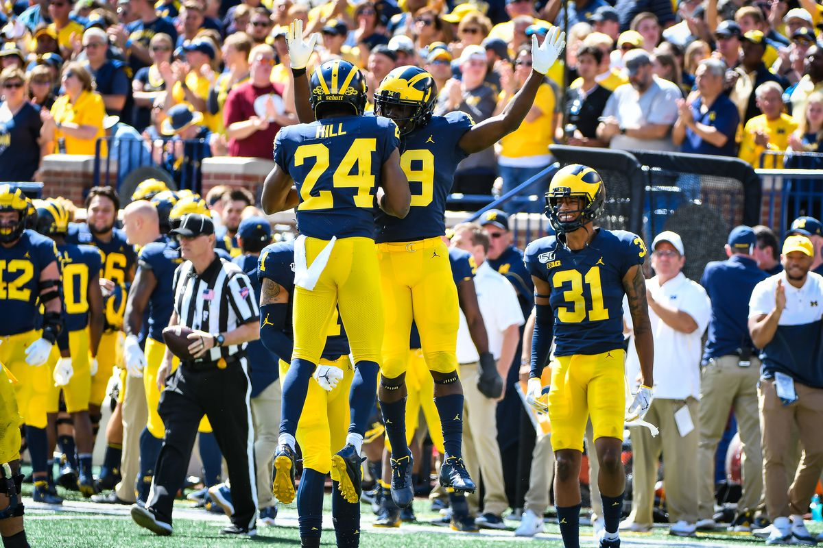 Michigan cornerbacks coach Mike Zordich shares approach with young players, recruiting