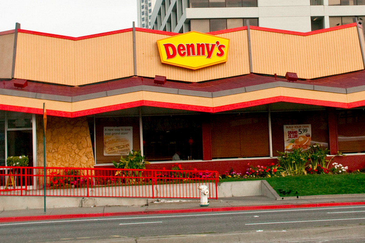 Denny's Higher-Up Wrongly Asserts Raising Minimum Wage ...