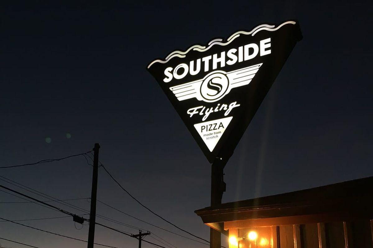 Southside Flying Pizza on East Cesar Chavez