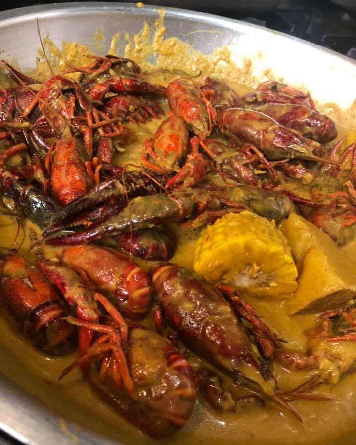 Crawfish with holy curry sauce