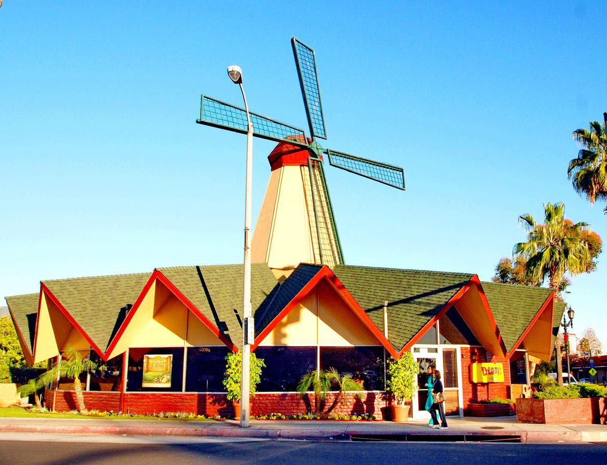 Last Van De Kamp S Windmill Spinning Again In Arcadia