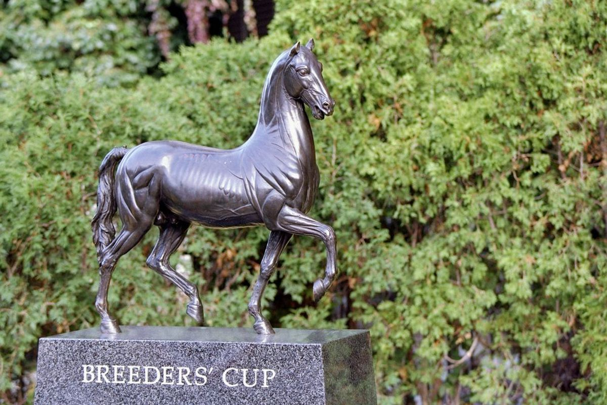 7 Oct 1995: General view of a statue at the Breeders'' Cup at Belmont Park in Belmont, New York. (Getty Images)