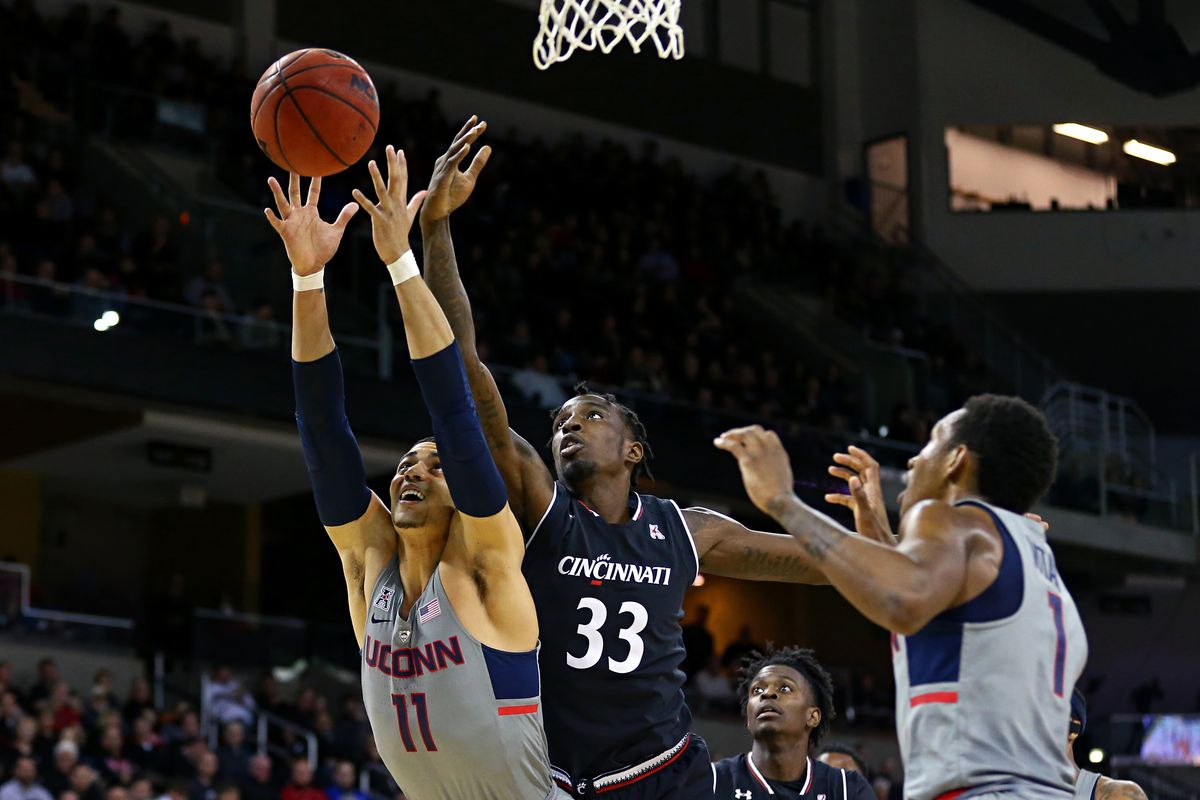innovative design 8c894 7ecd2 Game Preview: Cincinnati Bearcats vs. UConn Huskies - Down ...