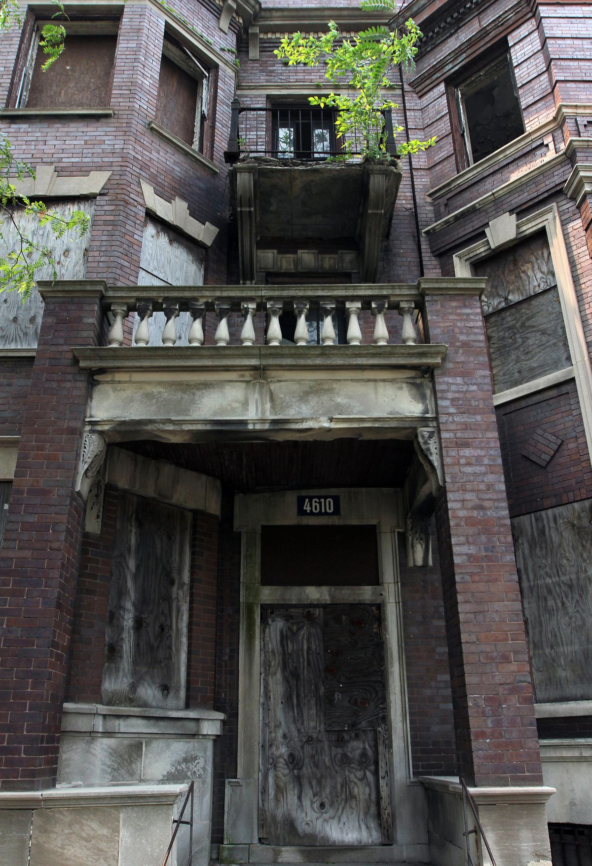 The historic Rosenwald Apartments had fallen into disrepair after standing vacant for many years. | Sun-Times file photo
