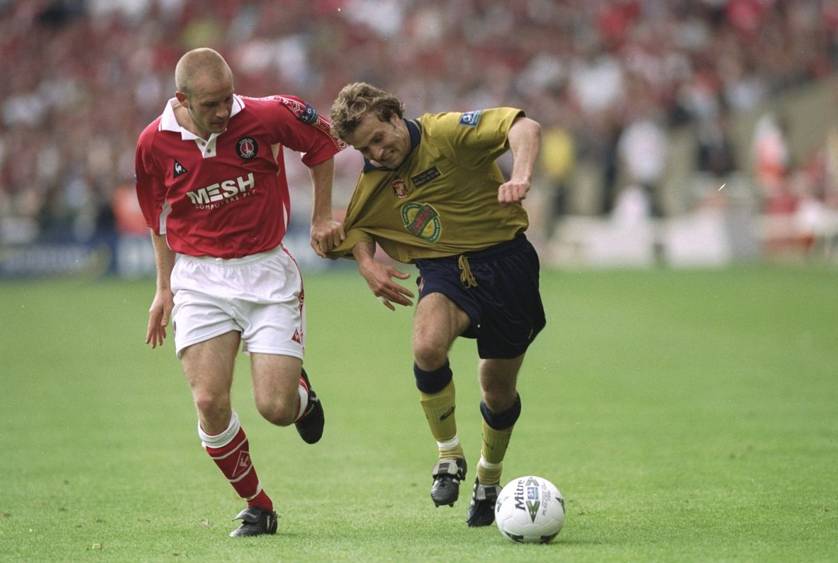 Danny Mills of Charlton Athletic and Michael Gray of Sunderland