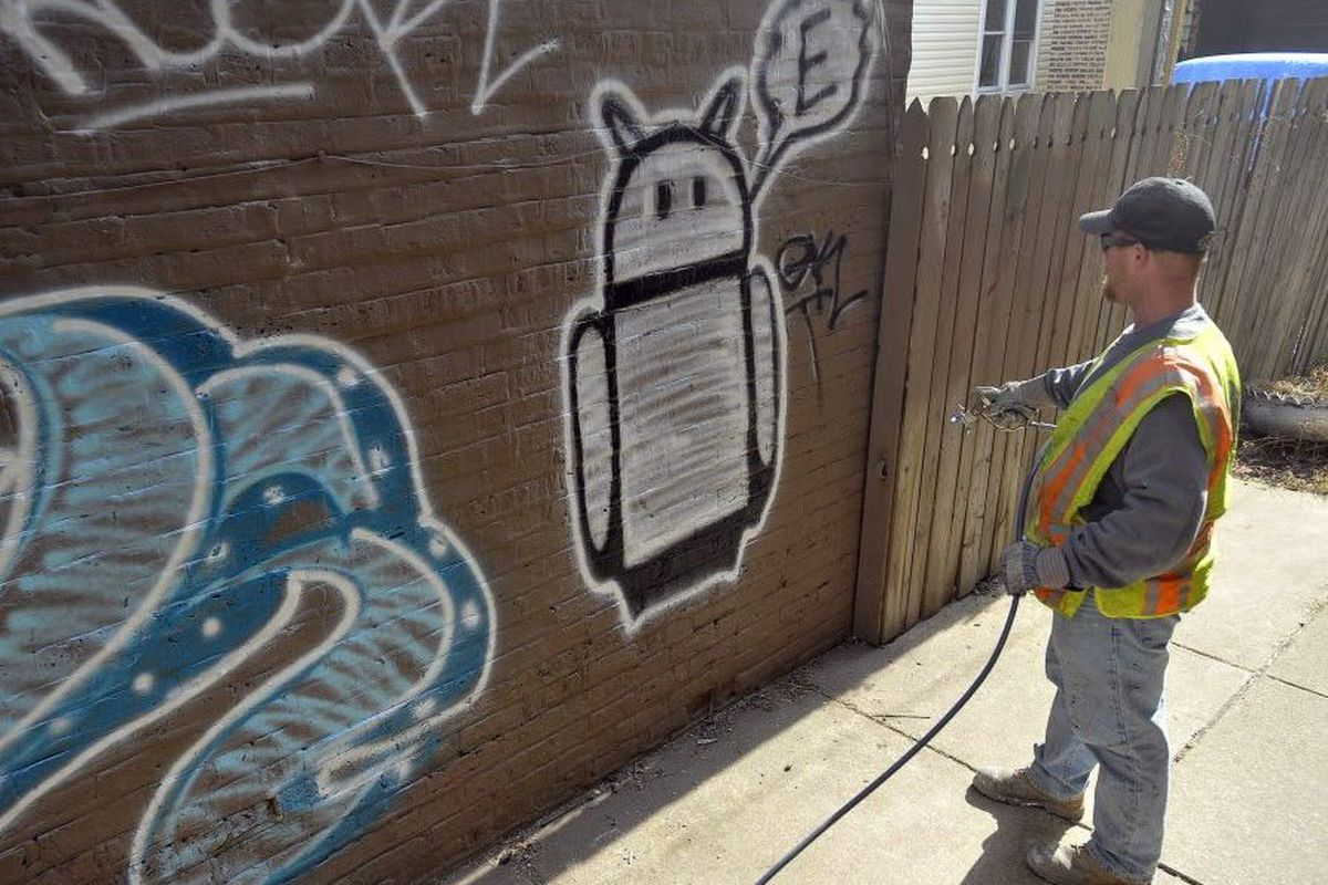 On Second Try Committee Oks Registry To Protect Murals From City