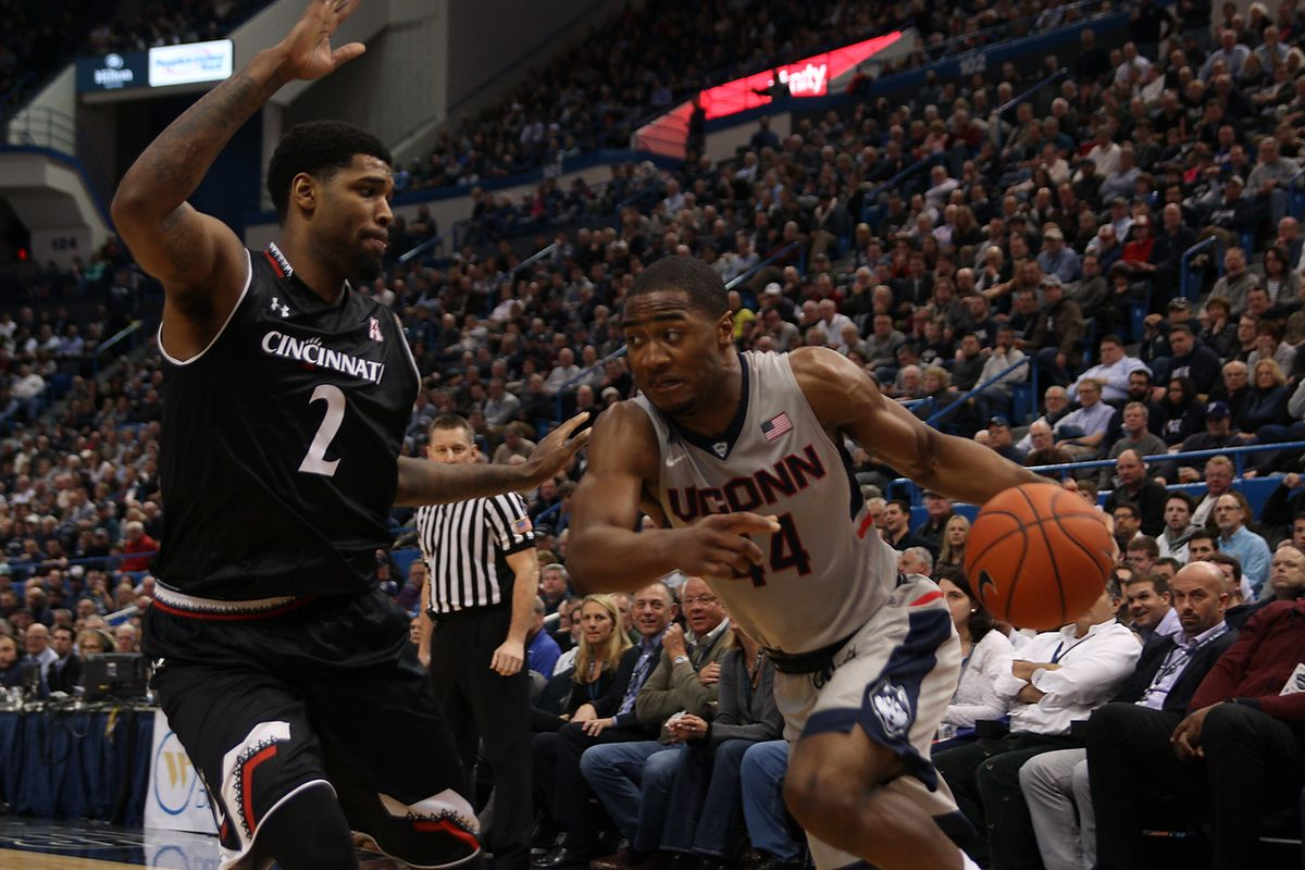 Rodney Purvis and UConn look to continue the momentum from Thursday night's win this afternoon.