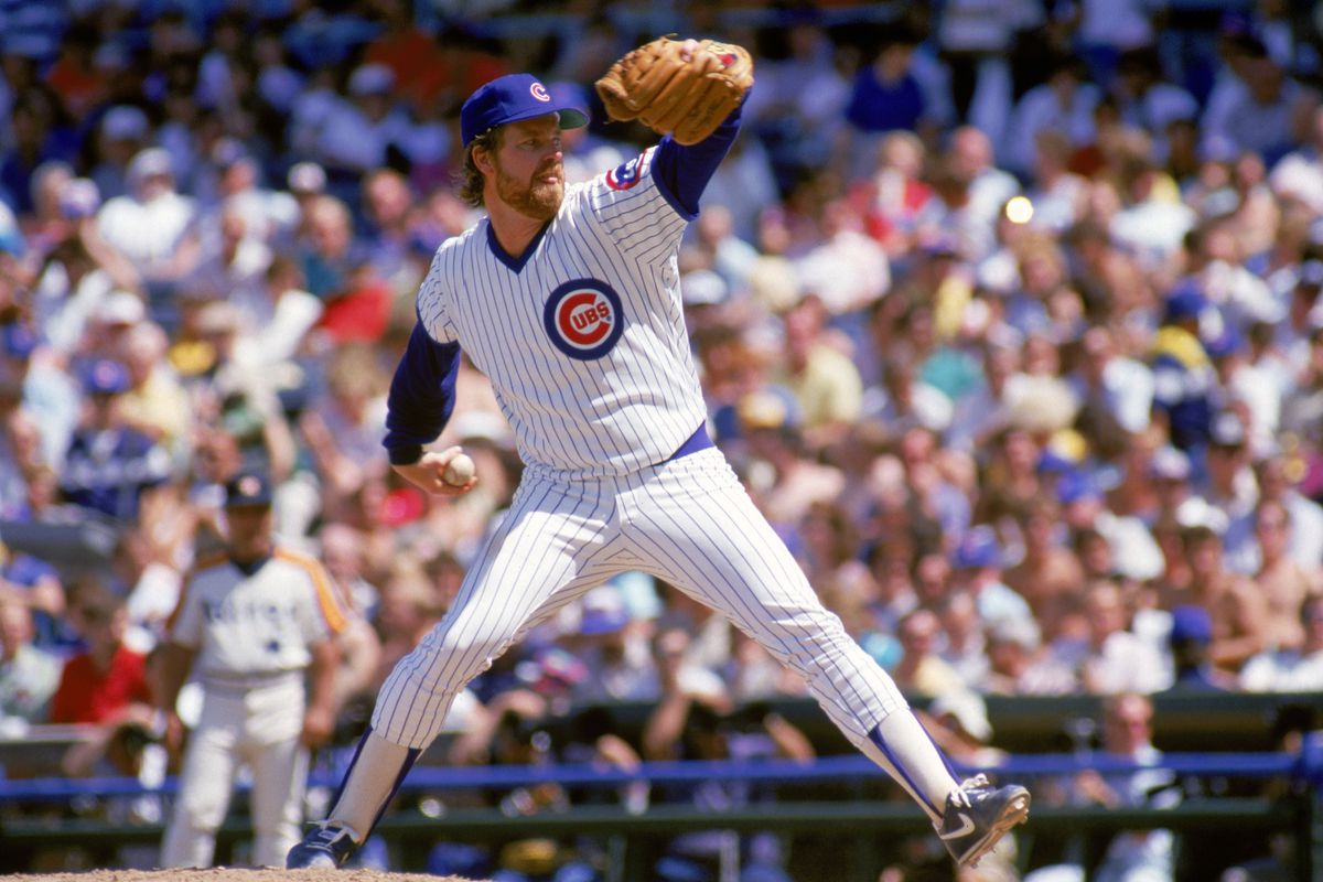 Rick Sutcliffe winds back to pitch