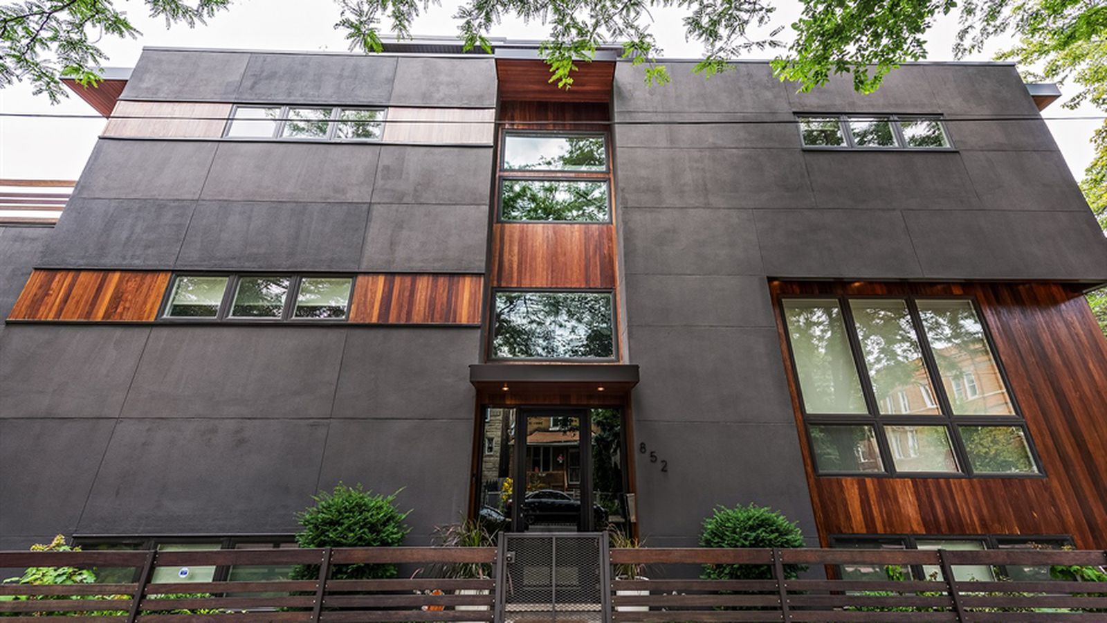 Brutish west town contemporary house seeks for Modern homes for sale chicago