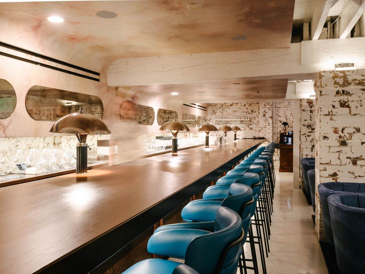 Art Deco–style bar below ground level