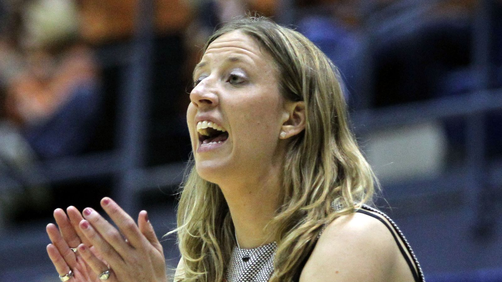 Watch Lindsay Gottlieb surprise Cal women's basketball ...