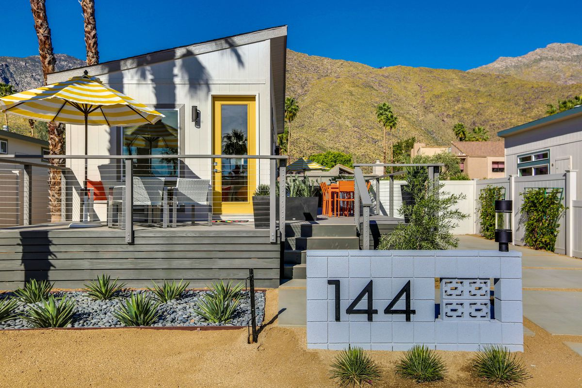 Stylish midcentury inspired tiny homes coming to palm springs