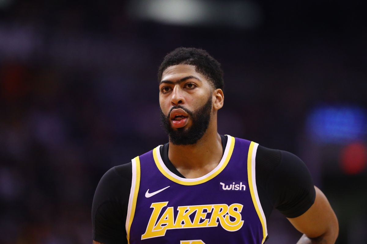 Los Angeles Lakers forward Anthony Davis against the Phoenix Suns at Talking Stick Resort Arena.