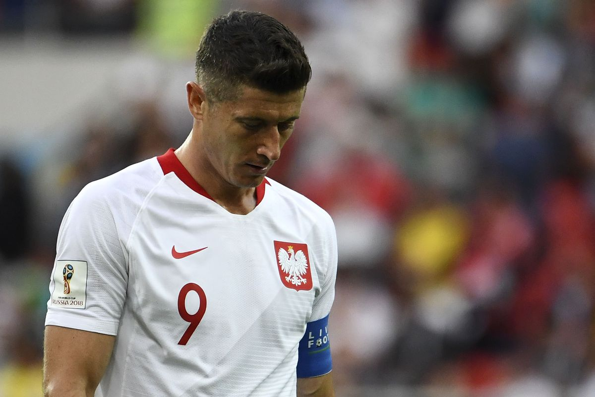 TOPSHOT-FBL-WC-2018-MATCH15-POL-SEN TOPSHOT - Poland's forward Robert Lewandowski reacts during the Russia 2018 World Cup Group H football match between Poland and Senegal at the Spartak Stadium in Moscow on June 19, 2018.