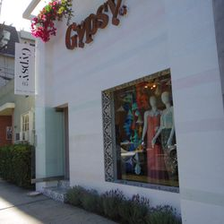 <i>Gypsy05 Beverly Hills is open Monday through Friday from 10am to 6pm, Saturday from 10am to 7pm, and Sunday from 12pm to 6pm.</i>