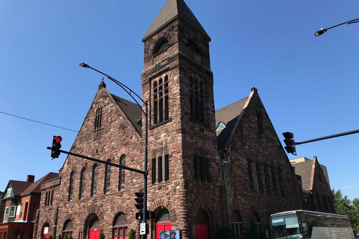 Metropolitan Apostolic Community Church, 4100 S. King Dr.