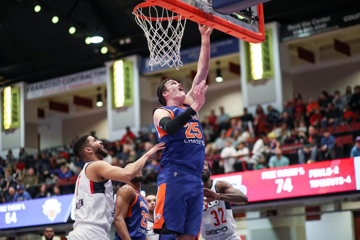 P&T interviews Westchester Knicks Center Stephen Zimmerman