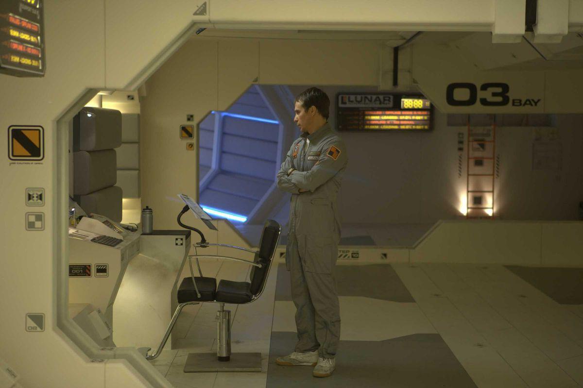 Moon - Sam (Sam Rockwell) on the moon base