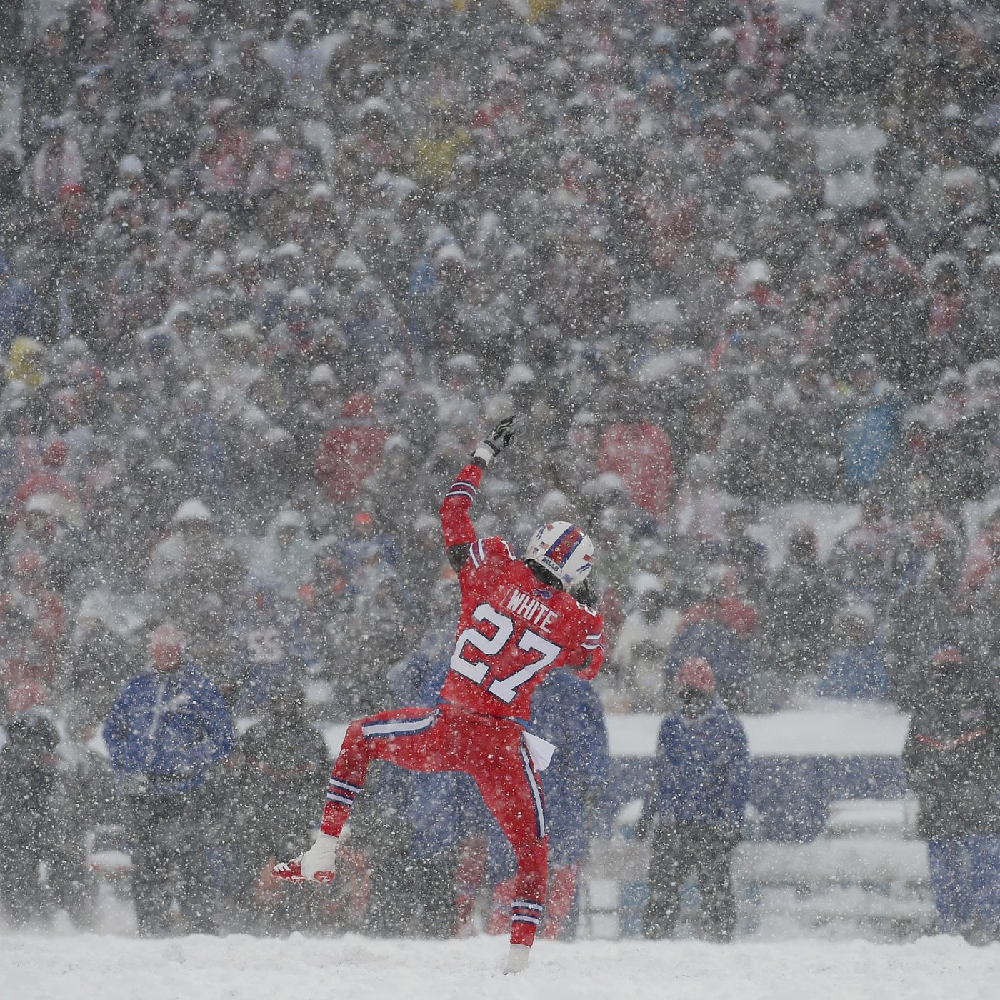 Snow Football What S The Perfect Football Weather Nfl Players Respond Sbnation Com