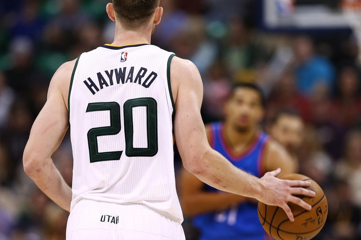 Utah Jazz forward Gordon Hayward (20) brings the ball up court as the Jazz and the Thunder play at Vivint Smart Home arena in Salt Lake City on Wednesday, Dec. 14, 2016.